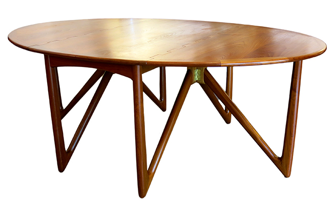 Niels Koefoed dining table b.jpg