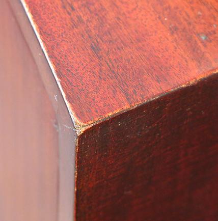 Grosfeld House corner detail.jpg
