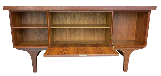 Four sided Danish executive desk.jpg