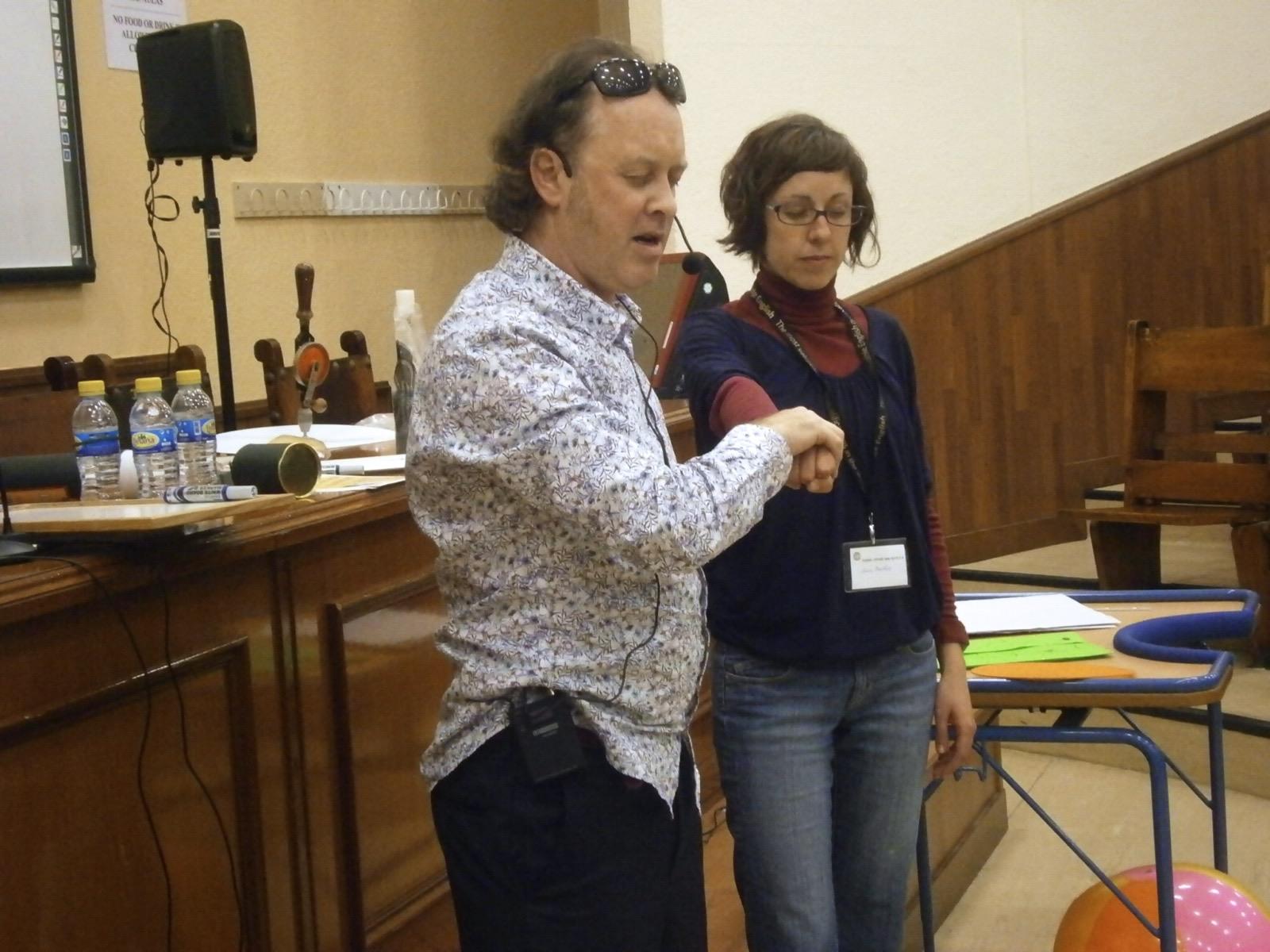 Un espectáculo para adultos en la conferencia TESOL, Sevilla