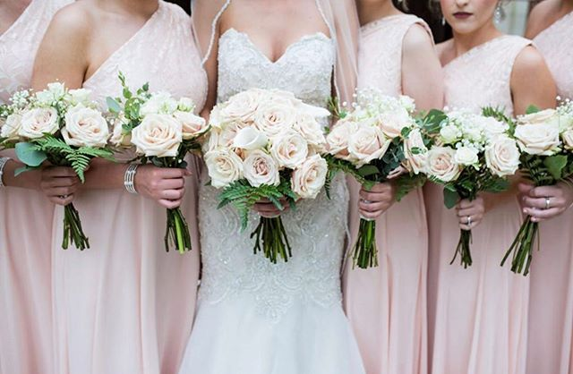 Blush beauties ☺️. Sahara roses from @agrinagroses were just the ticket for this soft color palette. Floral design by @mmflowersvirginia. Photo by @mariagracephotography. . . . #wholesaleflowermarket #vaweddings #weddingbouquets #sahararoses #blushwedding