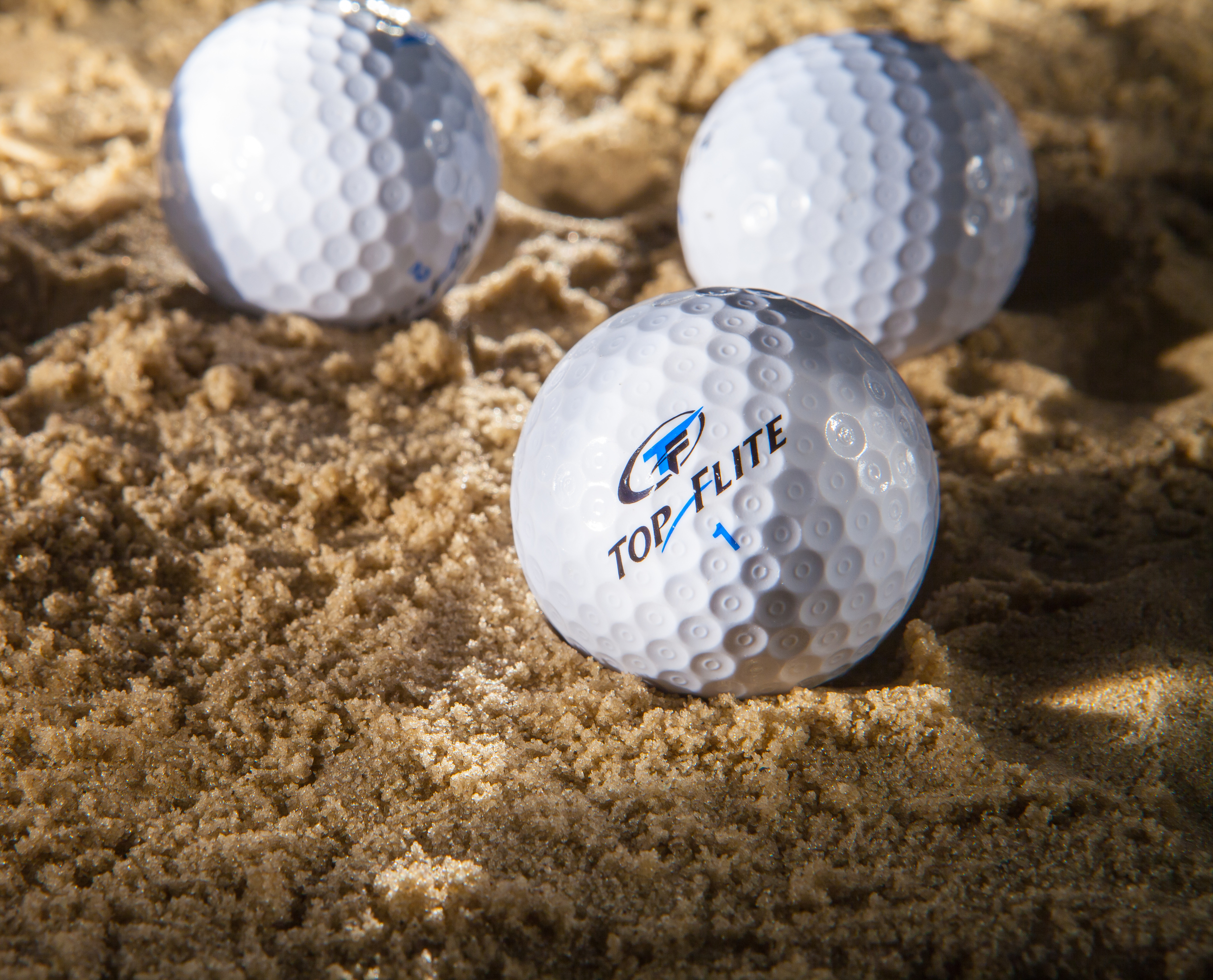 Studio_Golf_Balls.jpg