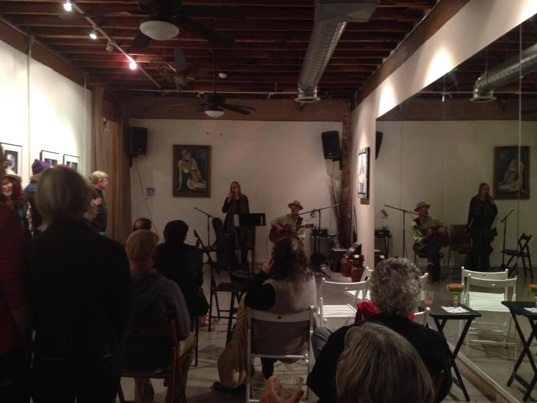 Chuck 'n Annie performing