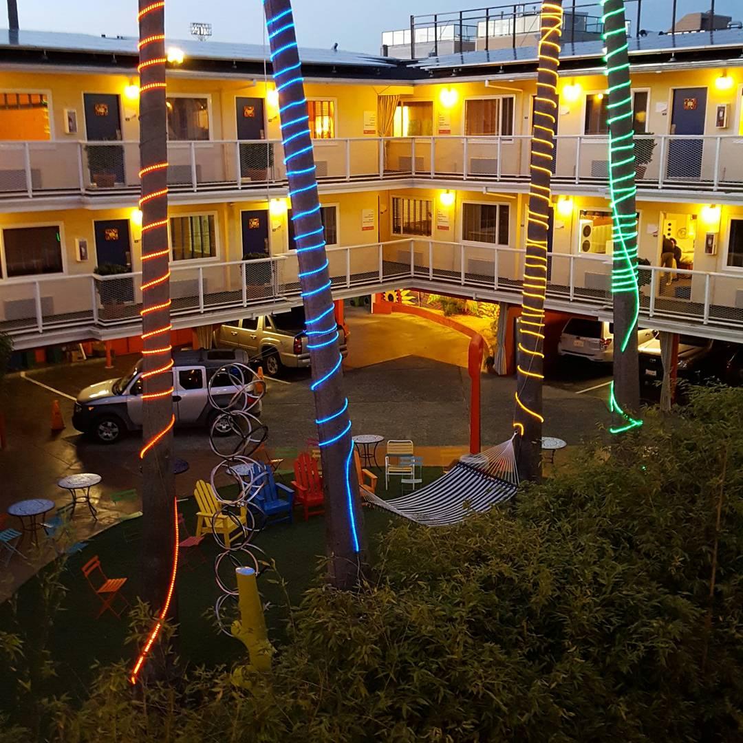 Hotel del Joie courtyard