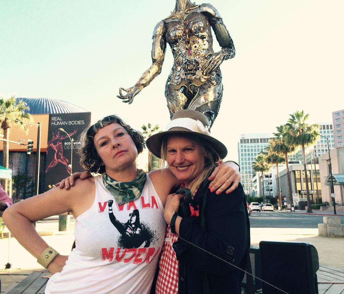 Posing with Dana Albany, Tara's creator