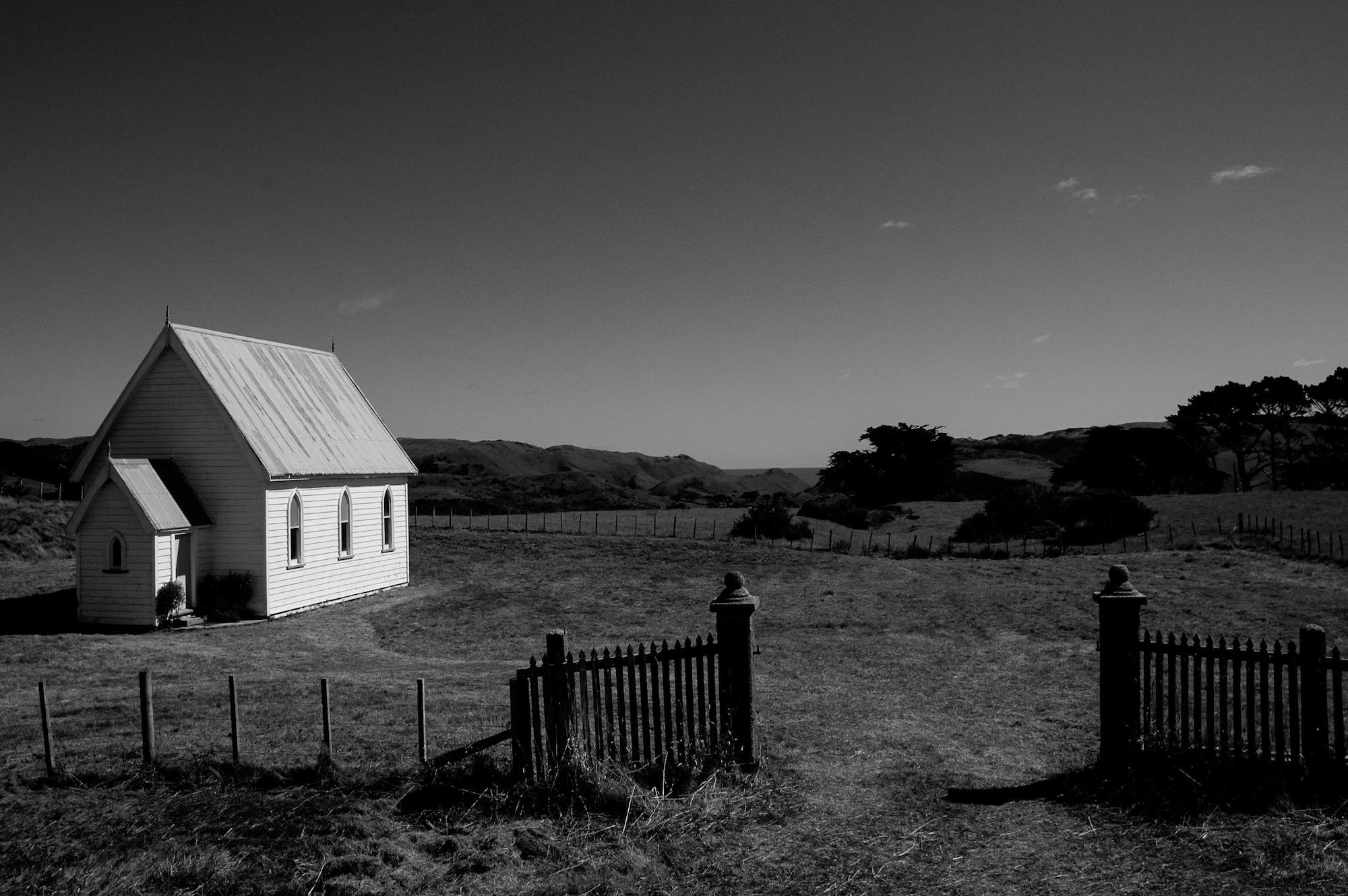 abandoned_house_new zealand_ben_howe_1.jpg
