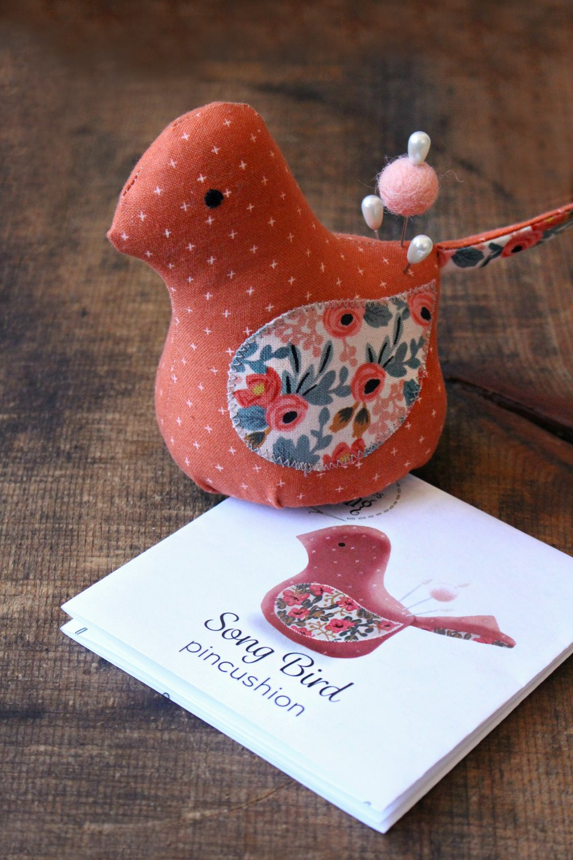 1x Premium Novelty  Bird Pincushion Birdsong Sewing Craft Tool Hobby UK