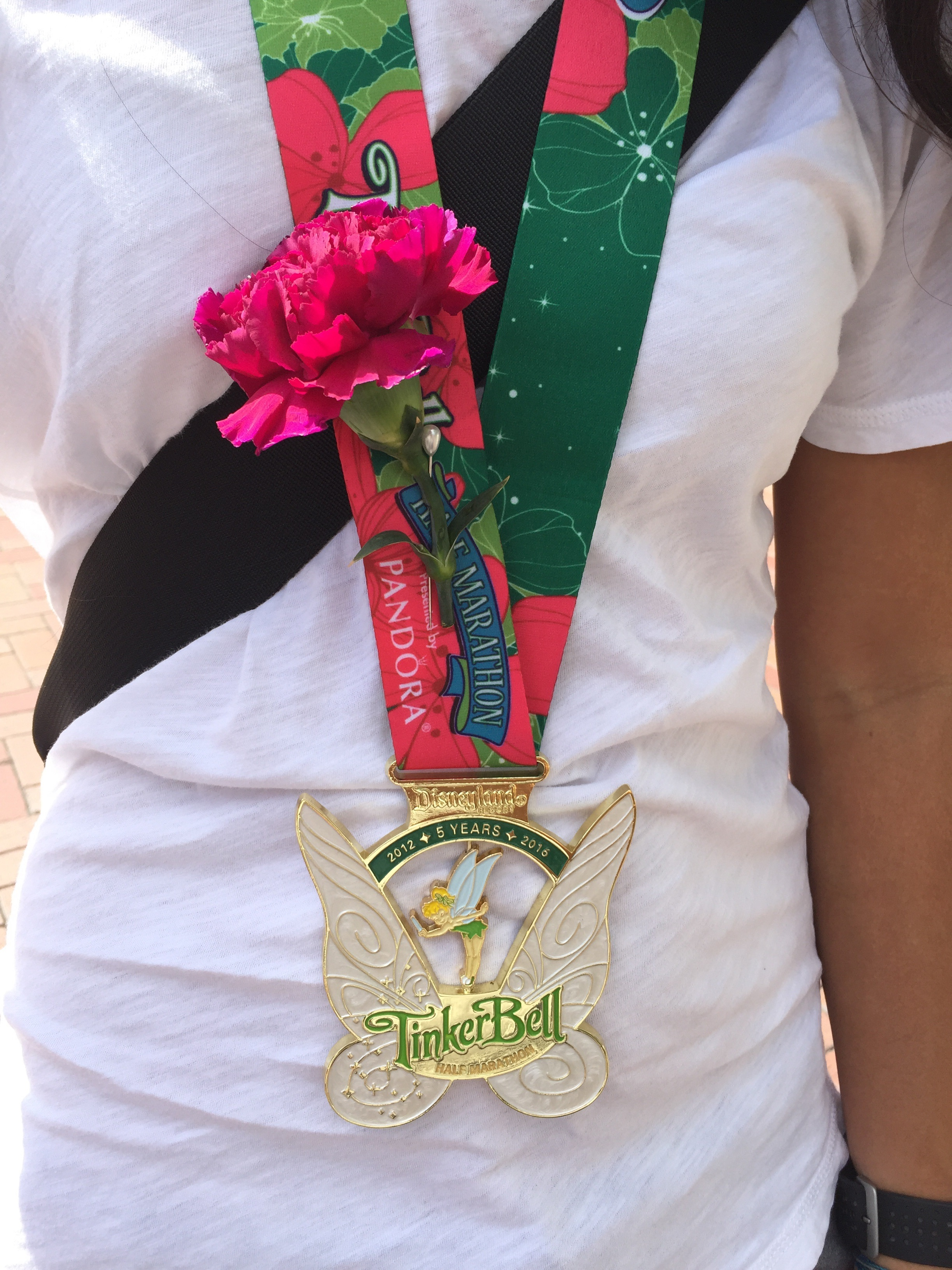 Medal and flower for Mother's Day park accessory