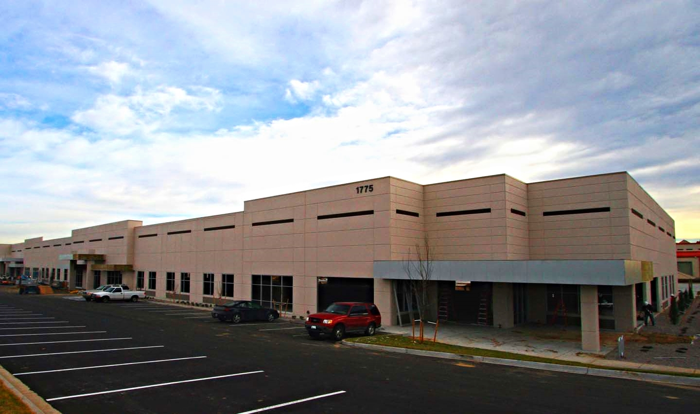 1775 CHERRY -   130,000 SF core and shell warehouse building that utilized a concrete tilt-wall system. Project included the complete site development of 9 acres.