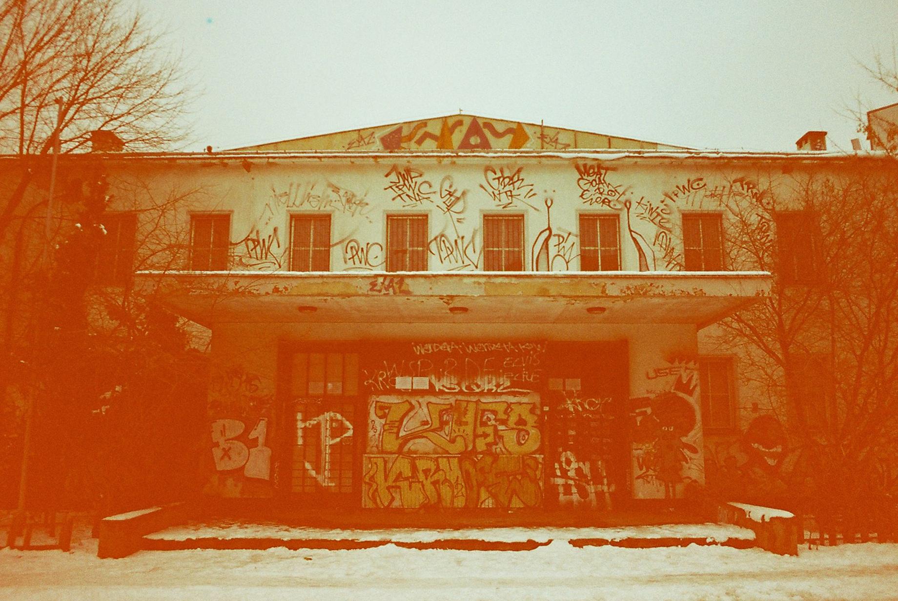 graffitti building.jpg