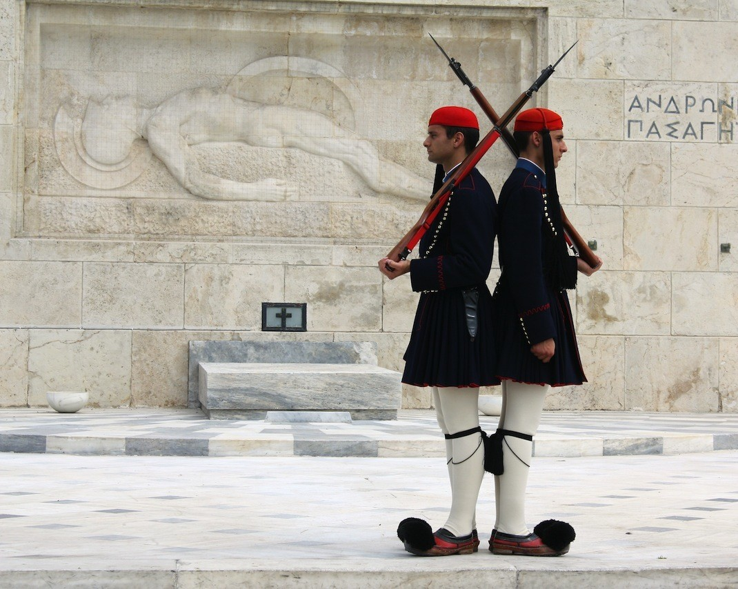 greece_athens_guards-1070x854.jpg