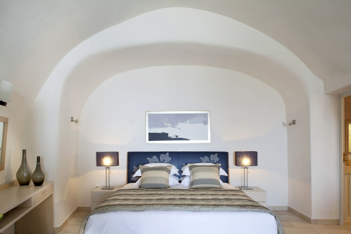 adamant-suites-santorini-14.jpg