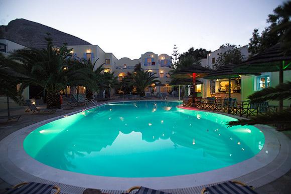 zephyros_hotel.jpg