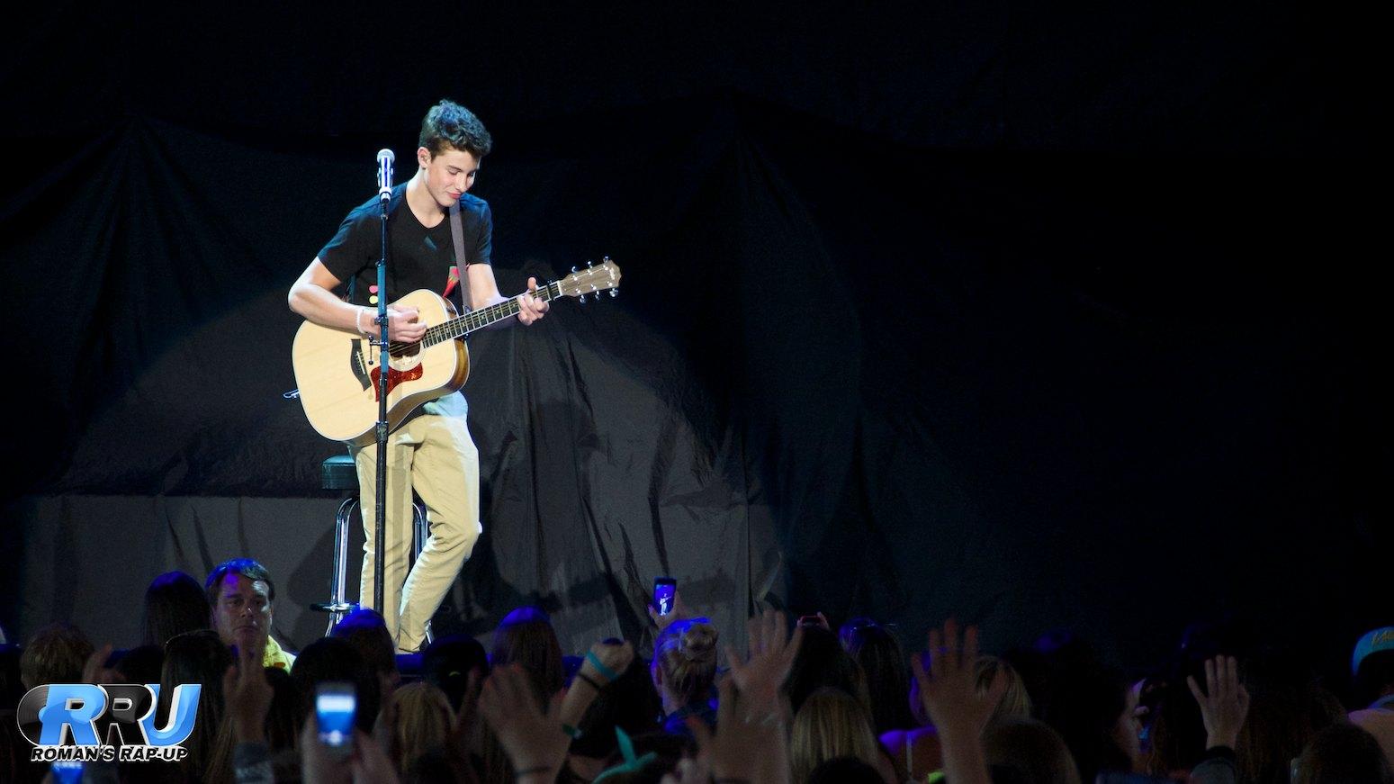Shawn Mendes 4.jpg