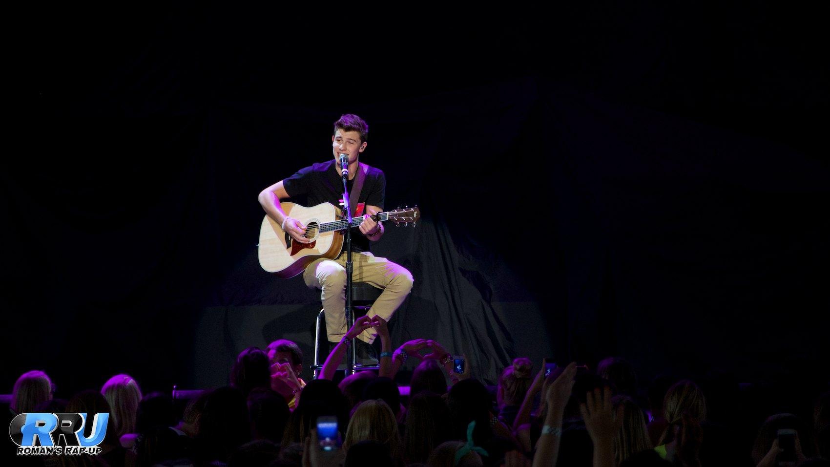 Shawn Mendes 13.jpg