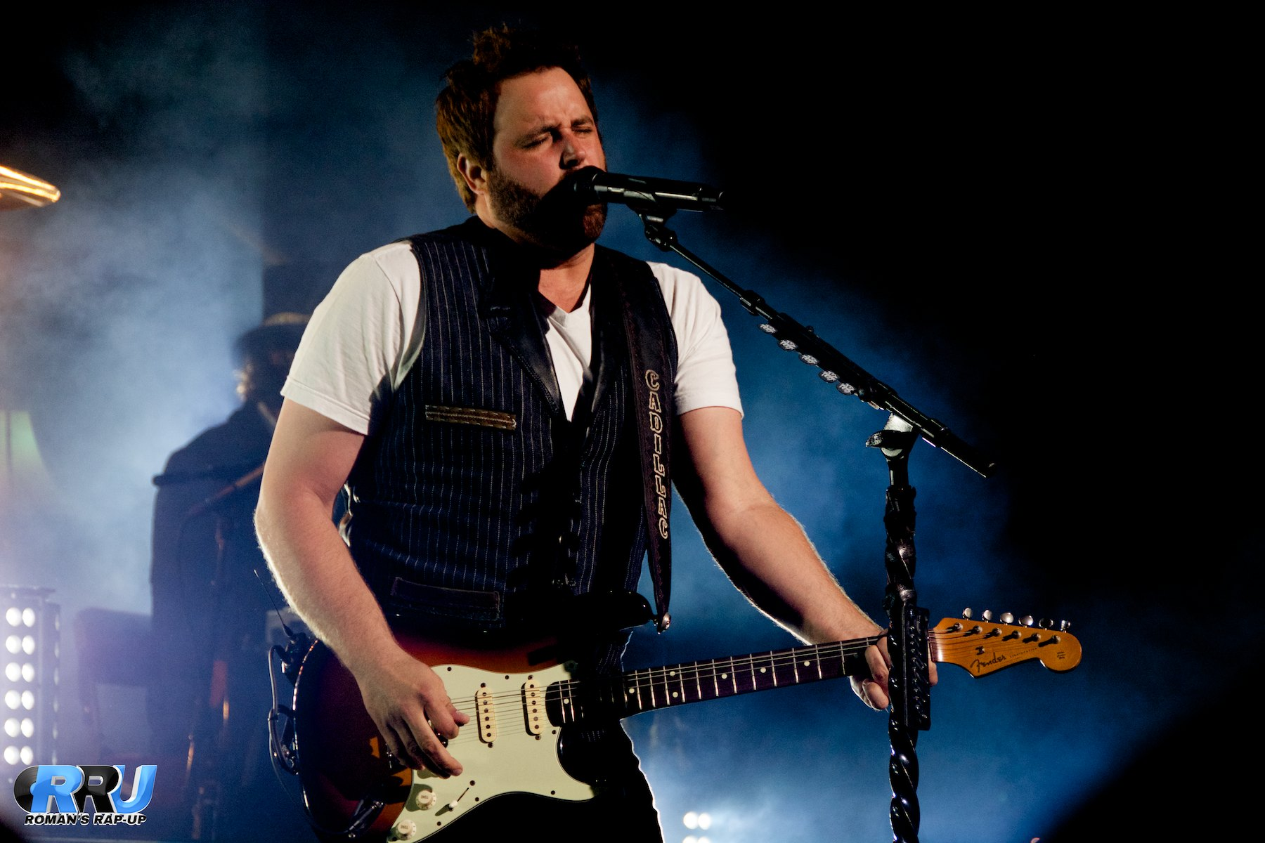 "Randy Houser performs at the Xfinity Center in Mansfield, MA on August 23rd as part of Brad Paisley's ""Country Nation"" tour (Benjamin Esakof/Roman's Rap-Up)."