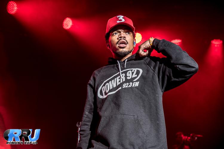 Chance The Rapper performs in Boston on September 29th, 2016 (Benjamin Esakof/Roman's Rap-Up).