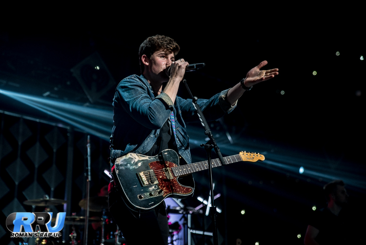 Shawn Jingle Ball_-25.jpg