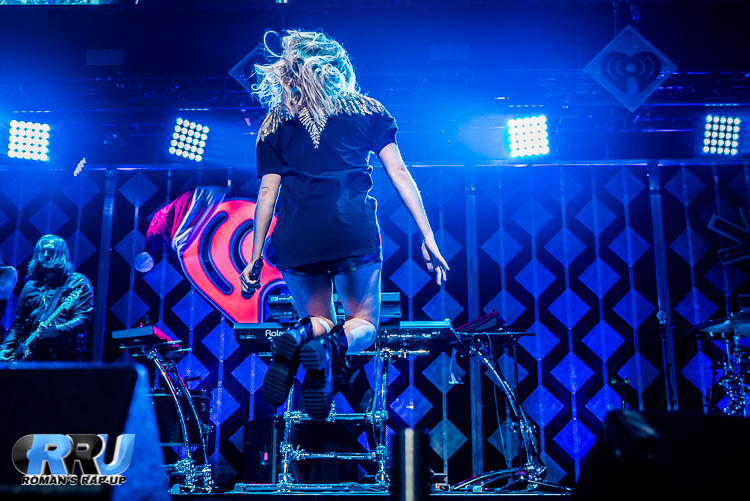 Ellie Jingle Ball_-20.jpg