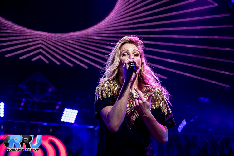 Ellie Jingle Ball_-10.jpg