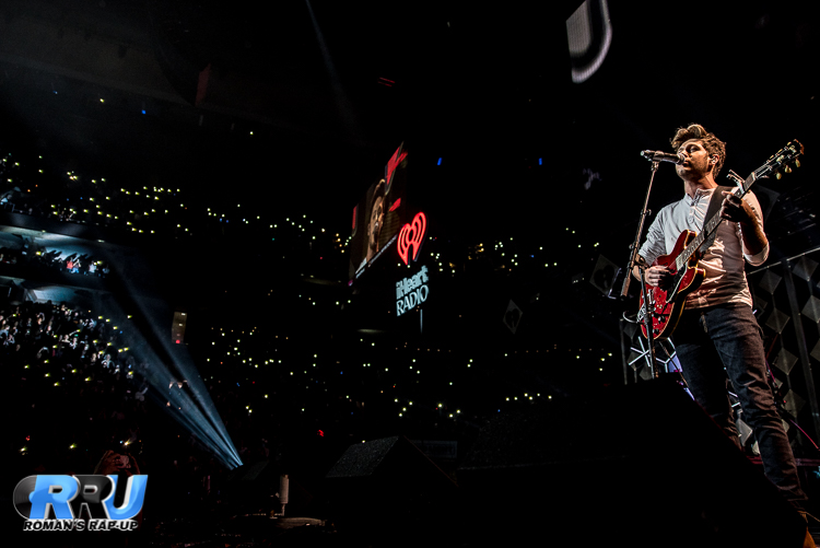 Niall Jingle Ball_-14.jpg
