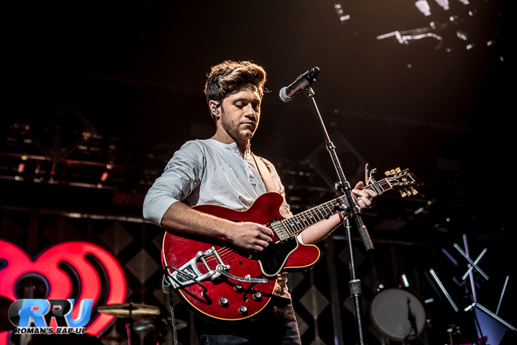 Niall Jingle Ball_-11.jpg