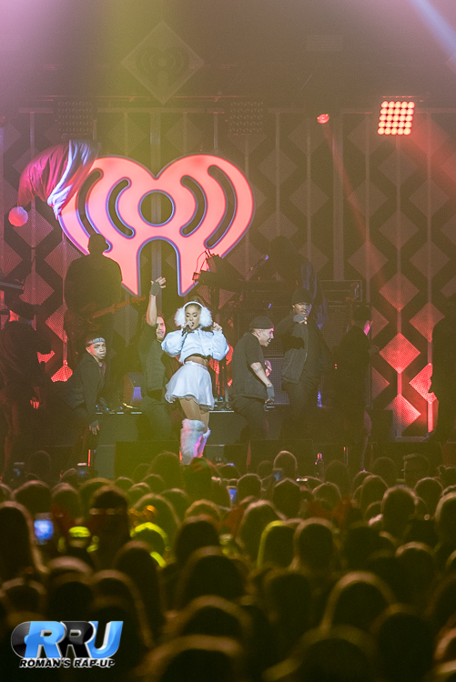 Ariana Jingle Ball_-13.jpg