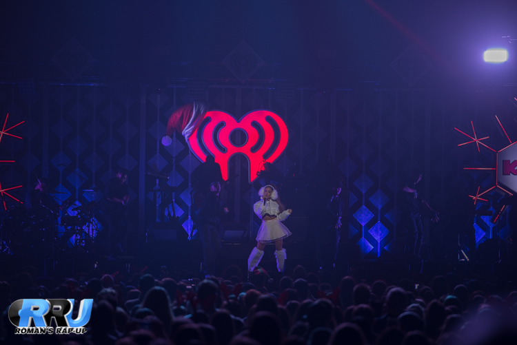 Ariana Jingle Ball_-11.jpg