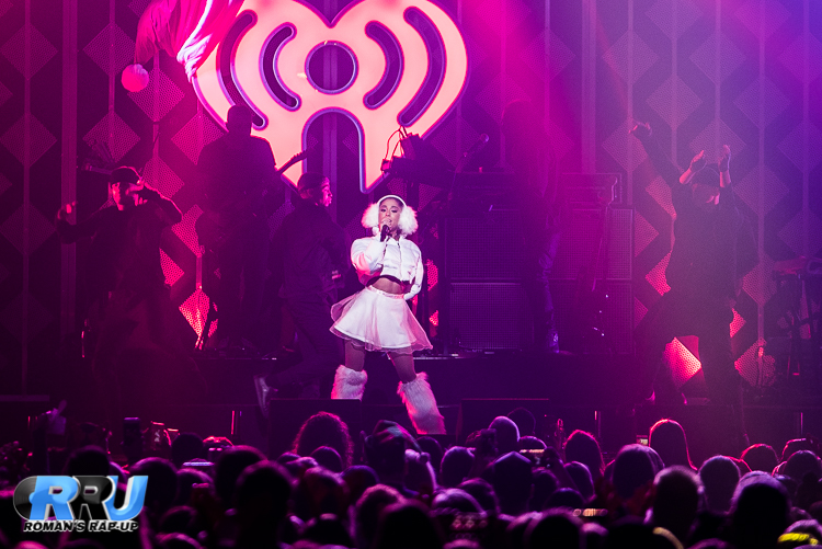 Ariana Jingle Ball_-12.jpg