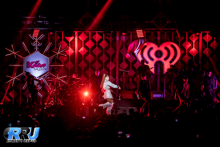 Ariana Jingle Ball_-9.jpg