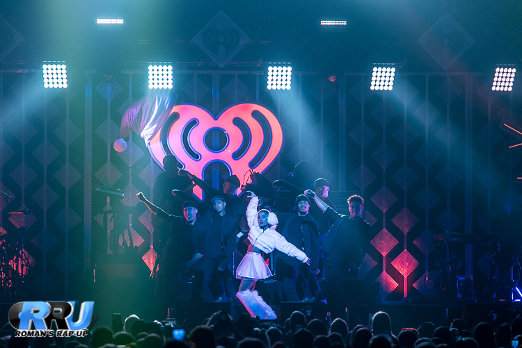 Ariana Jingle Ball_-6.jpg