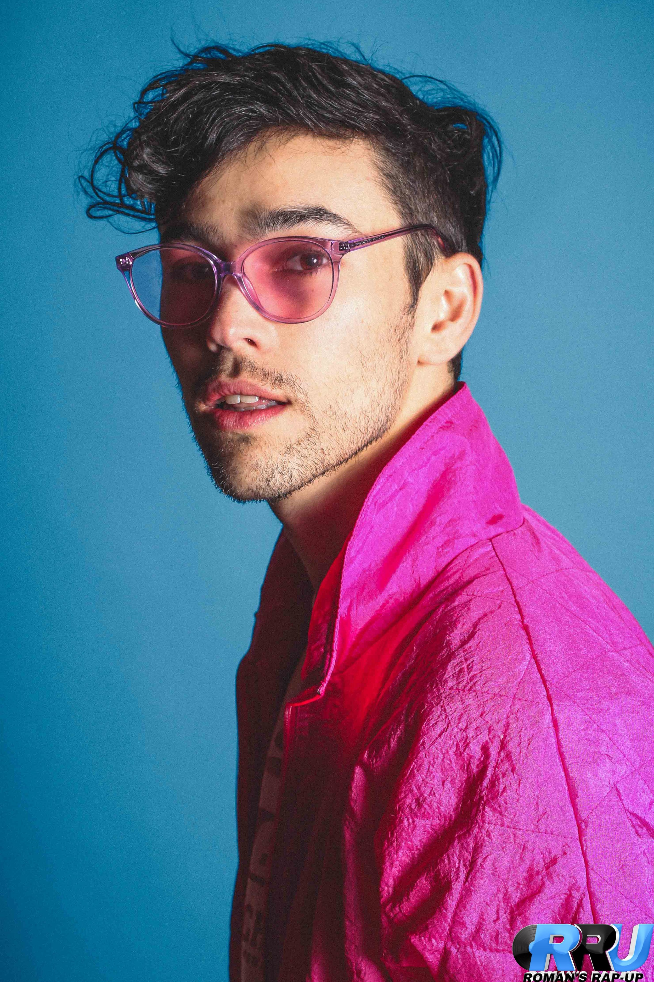 Max Schneider poses for RRU staff (Mike Zahar/Roman's Rap-Up).