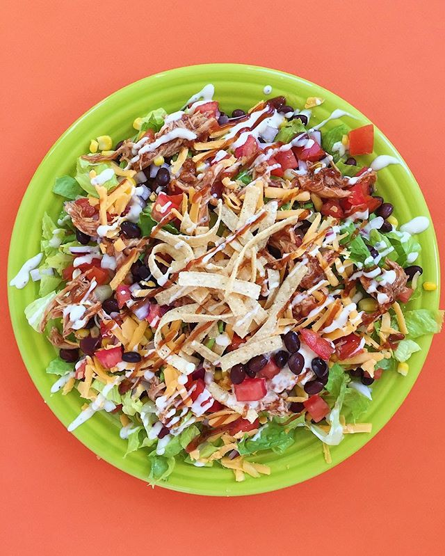 I love this BBQ chicken salad recipe by @damn_delicious ! Crunchy, tangy, savory, spicy....pretty damn delicious!🥗🧀🍅🍗🥑⠀⠀ .⠀⠀⠀⠀⠀⠀ .⠀⠀⠀⠀⠀⠀ .⠀⠀⠀⠀⠀⠀ .⠀⠀⠀⠀⠀⠀ .⠀⠀⠀⠀⠀⠀ #cleaneats  #eattherainbow #eatclean #f52grams #fitfoodie #healthyaperture #healthyfood #healthykids #kitchn #rdapproved #realfood #realsimple #superfood #tastyandcleanideas #thenewhealthy #weightwatchers #wholefood ⠀⠀⠀⠀⠀⠀ ⠀⠀⠀⠀⠀⠀ #tortillachips #wwambassador #avocado #wwfreestyle #bbqchicken #salad #ranchdressing #lowcarb #wfpb #paleo #instahealth  #yum #damndelicious