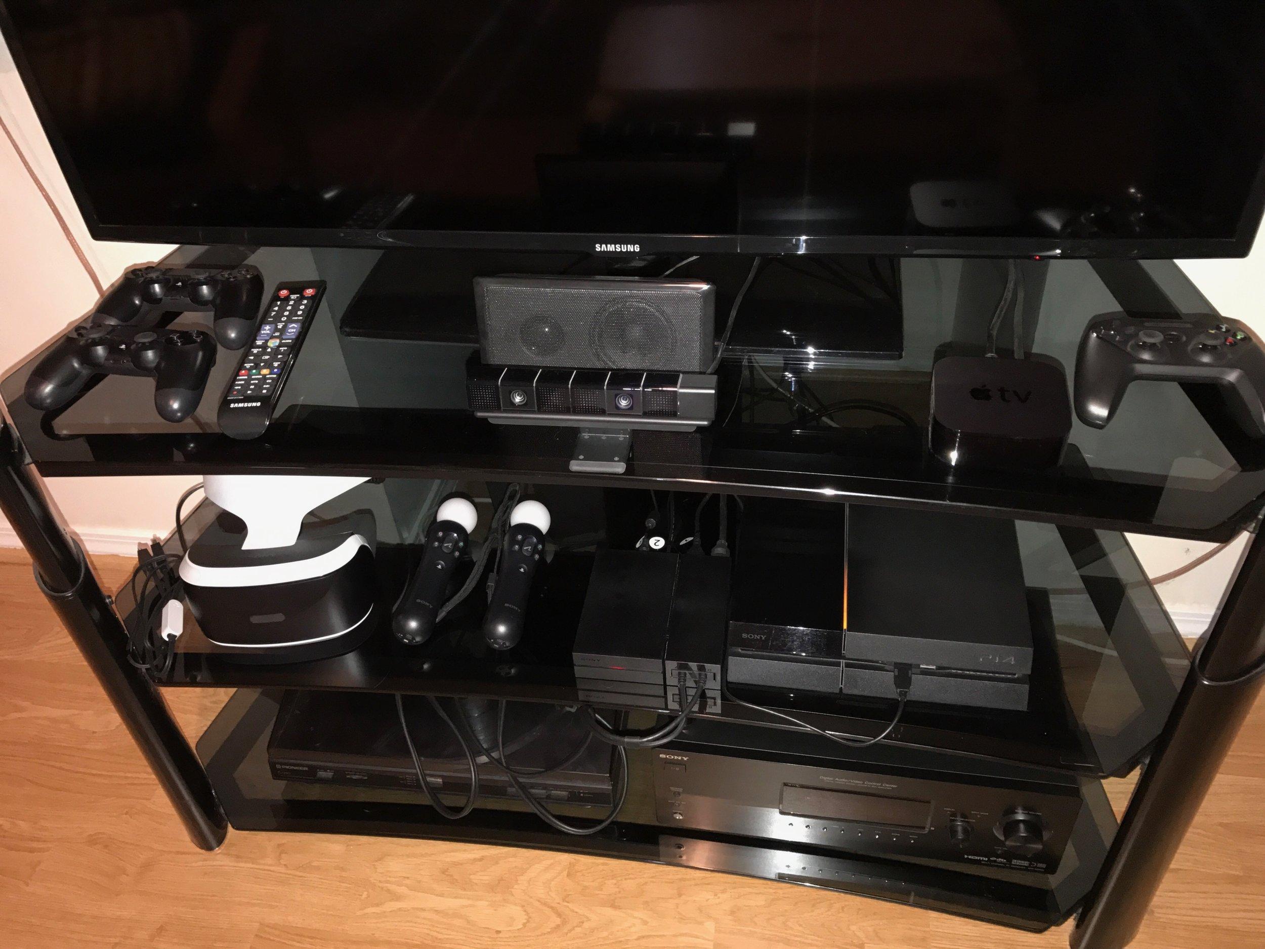 Chris's new Playstation VR set up.