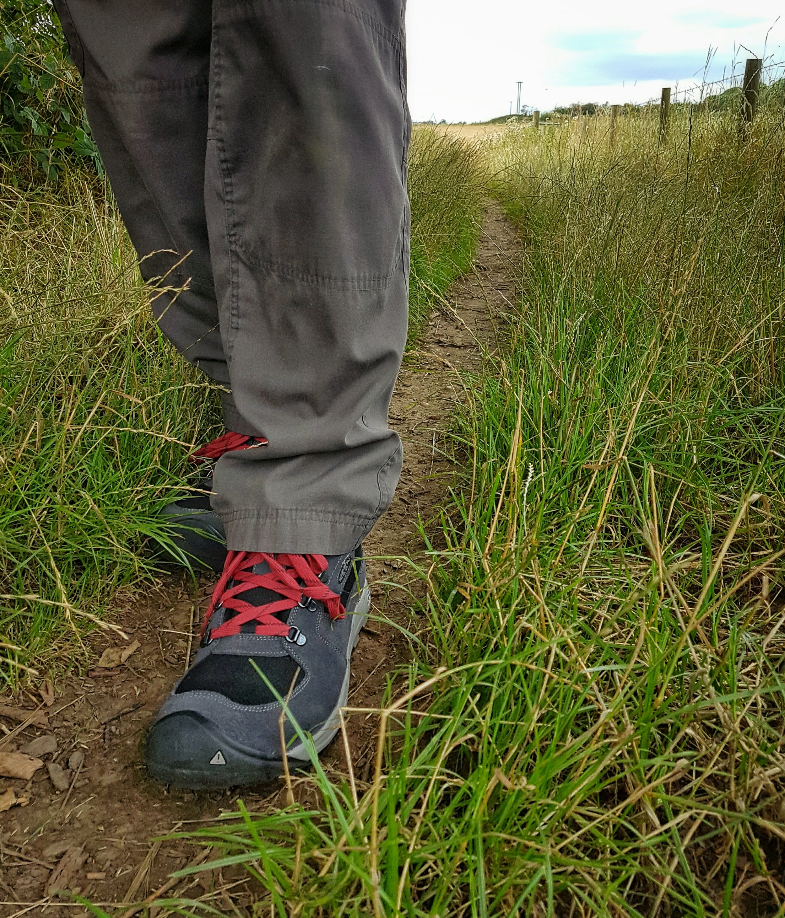 Walking along trails, sometimes with wet grass offered a great chance to test the waterproofing and durability of the boot.