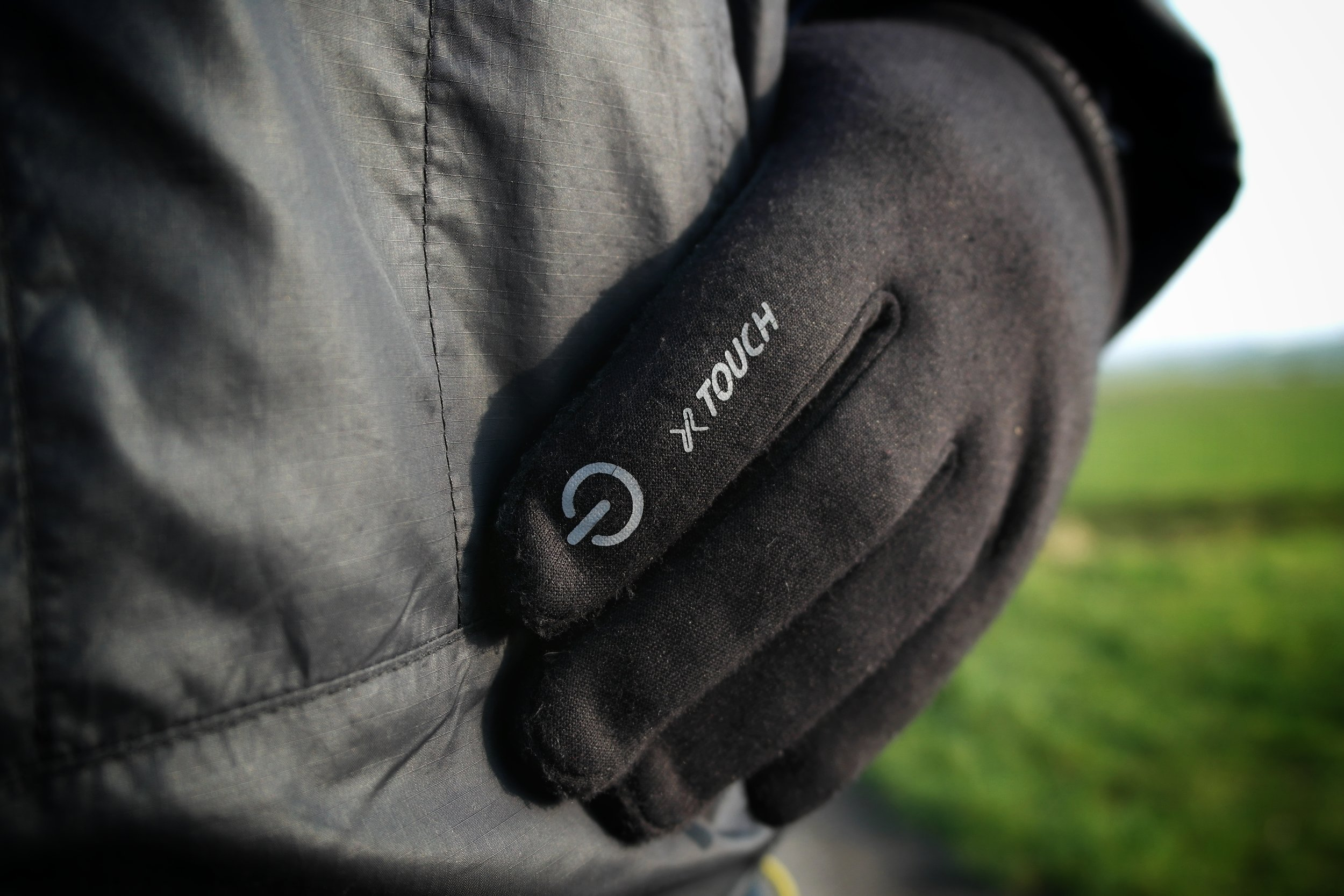The brushed material make the glove extremely comfortable and warm.