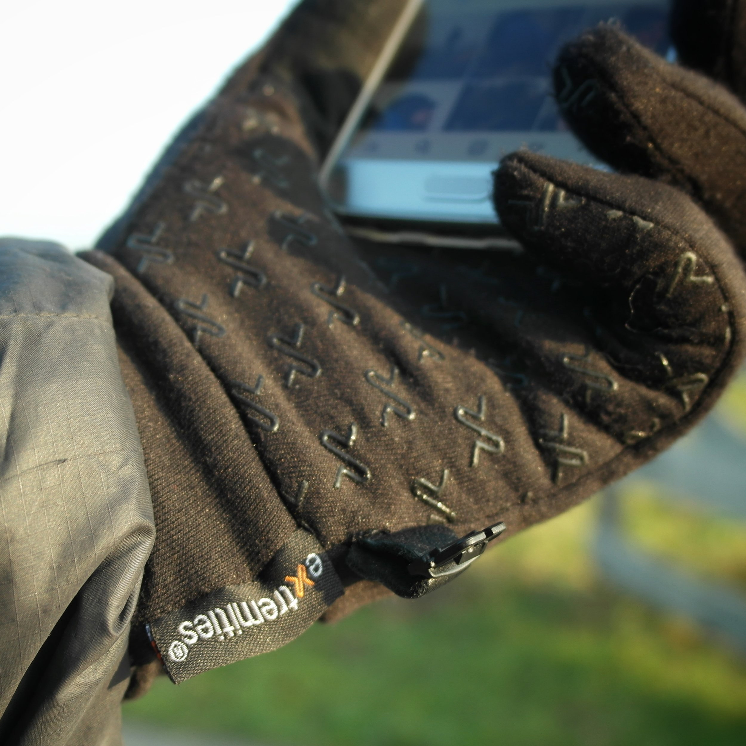 The sticky grip is really marvelous addition to this great glove. Allowing all items to stay firmly in your hand.