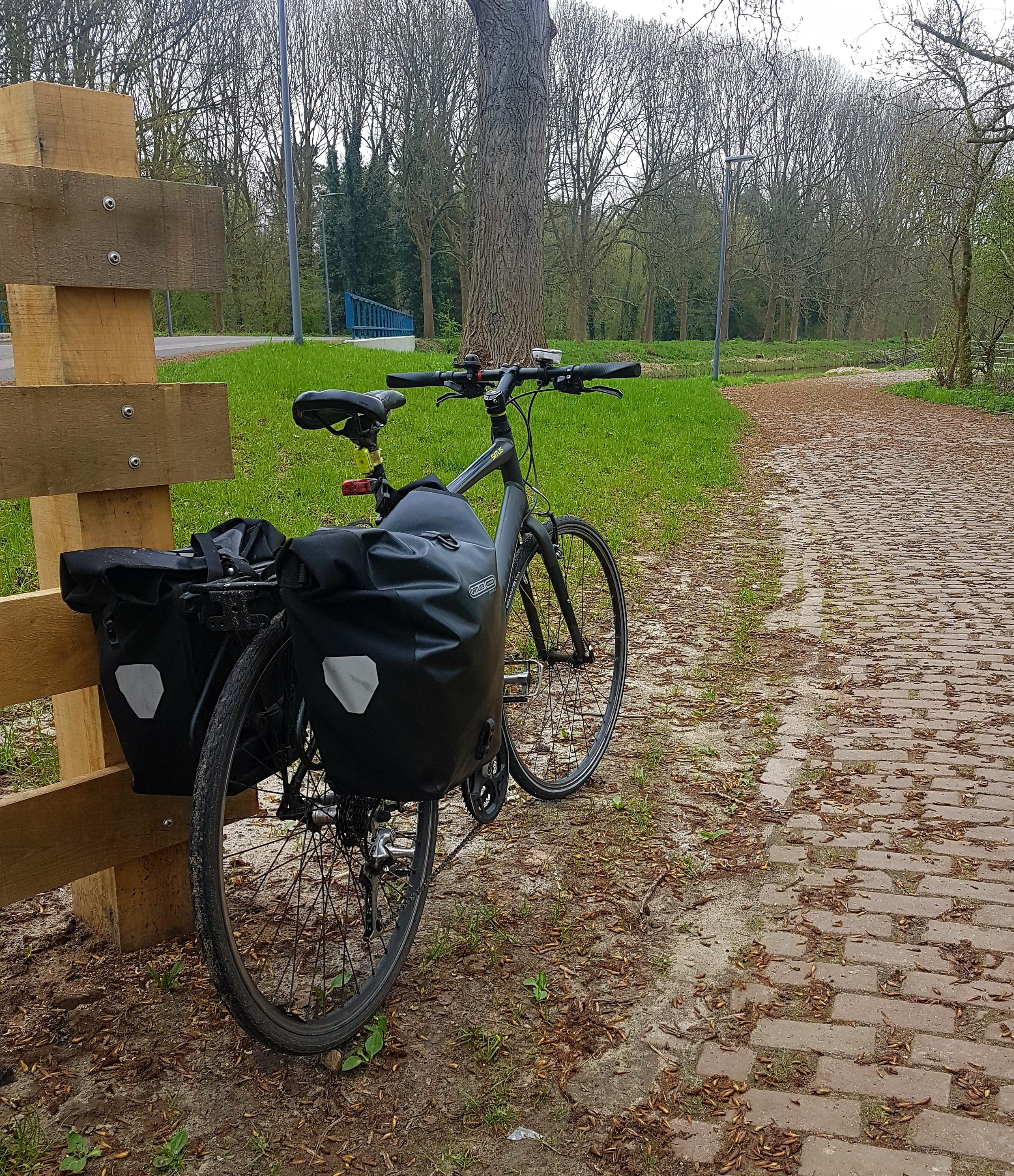 This pic shows my trusty mode of transport, laden with panniers, packed and ready for work.