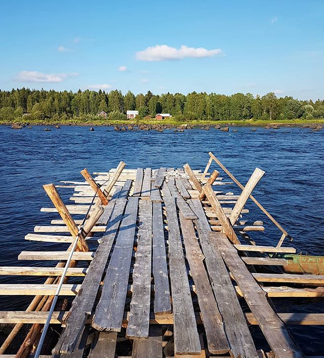 Loved these Piers.  Interesting to walk on, but certainly served their purpose. 🐟  Have a good day!  #placestowanderandexplore #swedishlapland #kukkolaforsen #sweden #norrbotten
