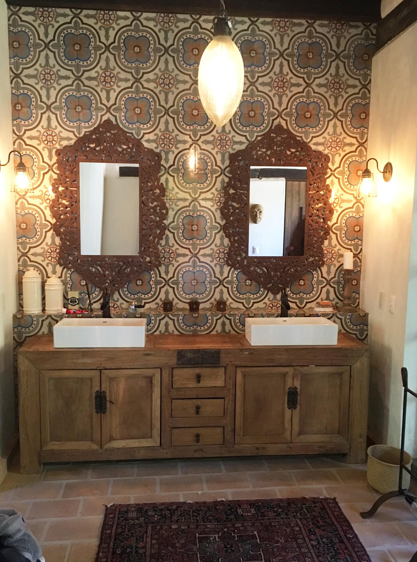 sebastian bathroom.jpg