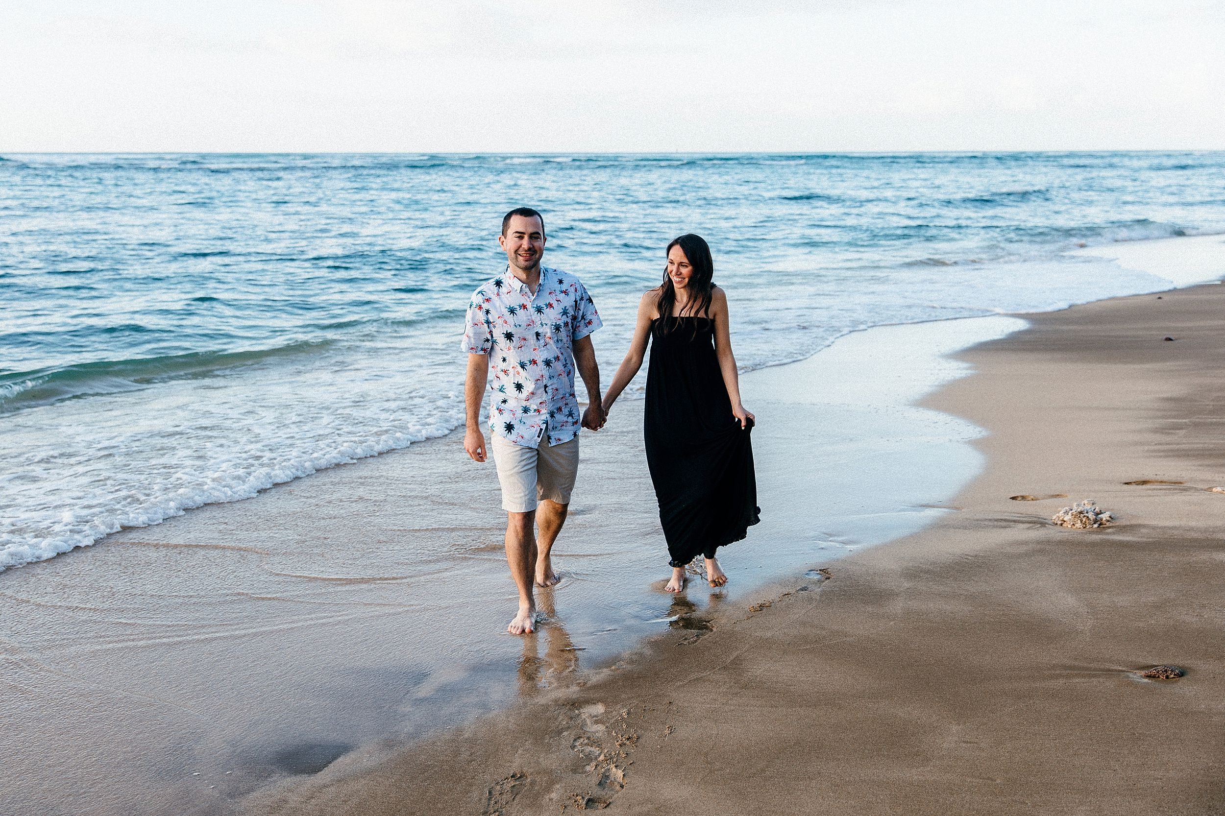 Honeymoon beach portraits in Hawaii