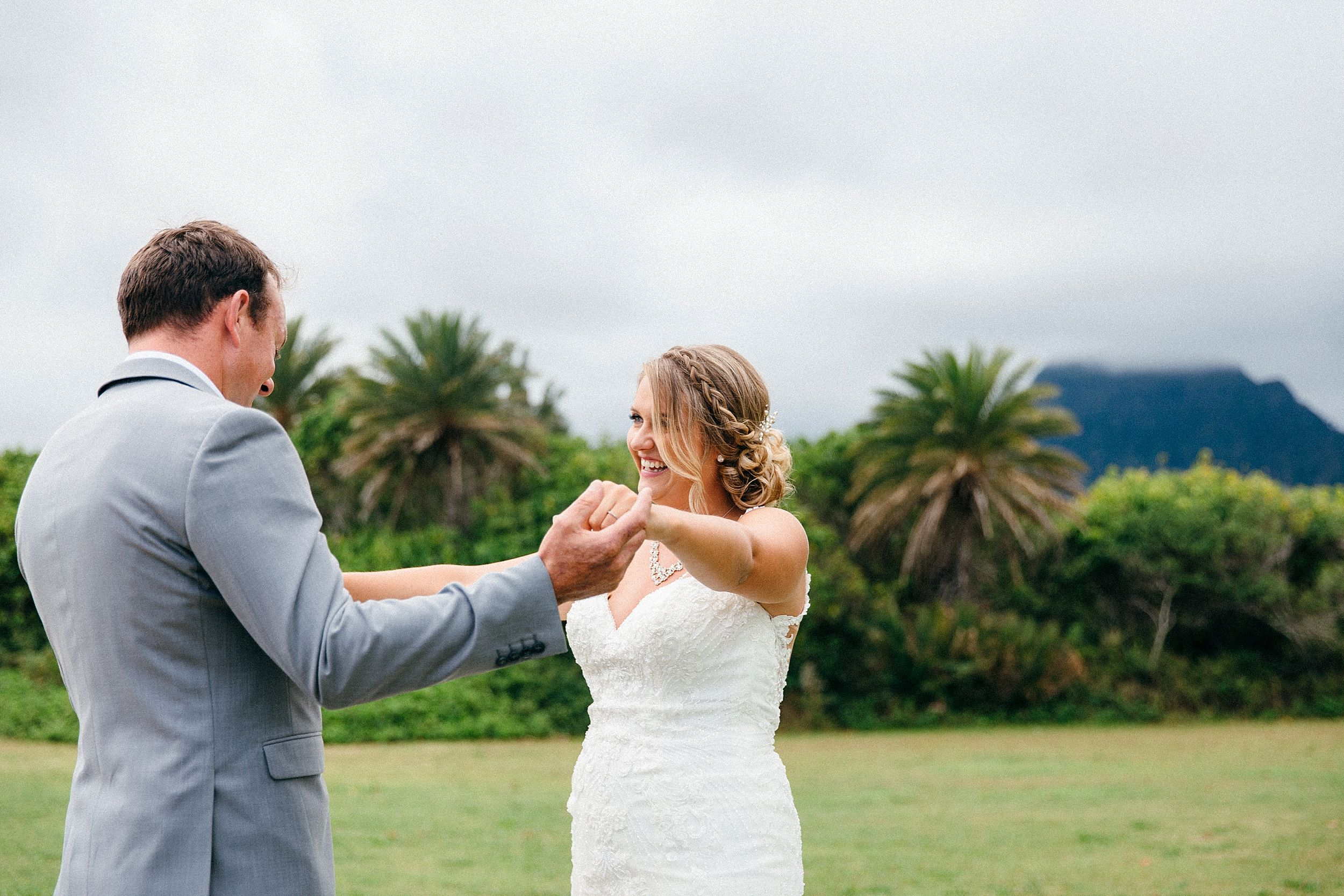 Dani & Mat Elope to Kualoa Ranch's Molii Gardens on Oahu's North Shore