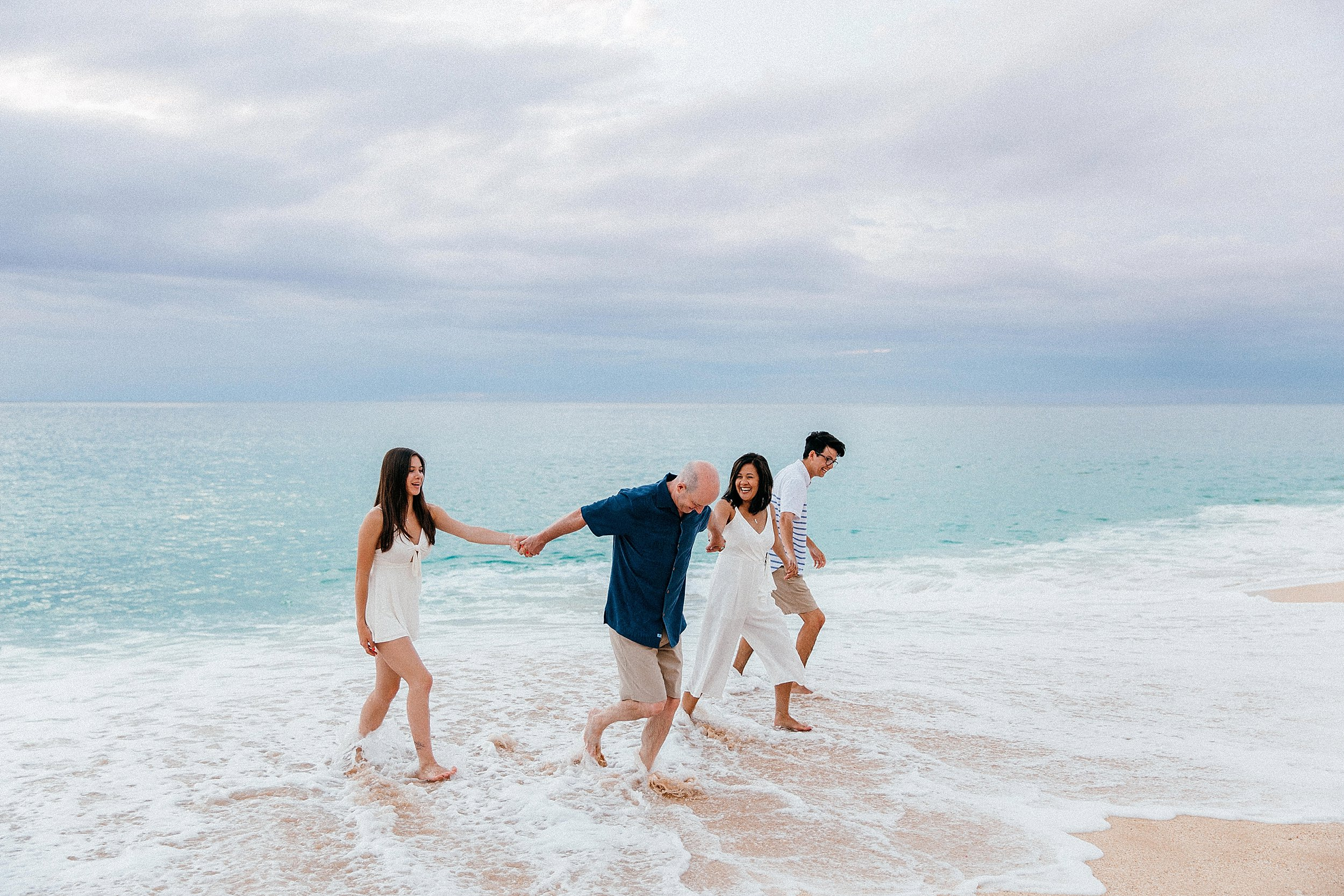 North Shore family photographs during vacation in Hawaii.