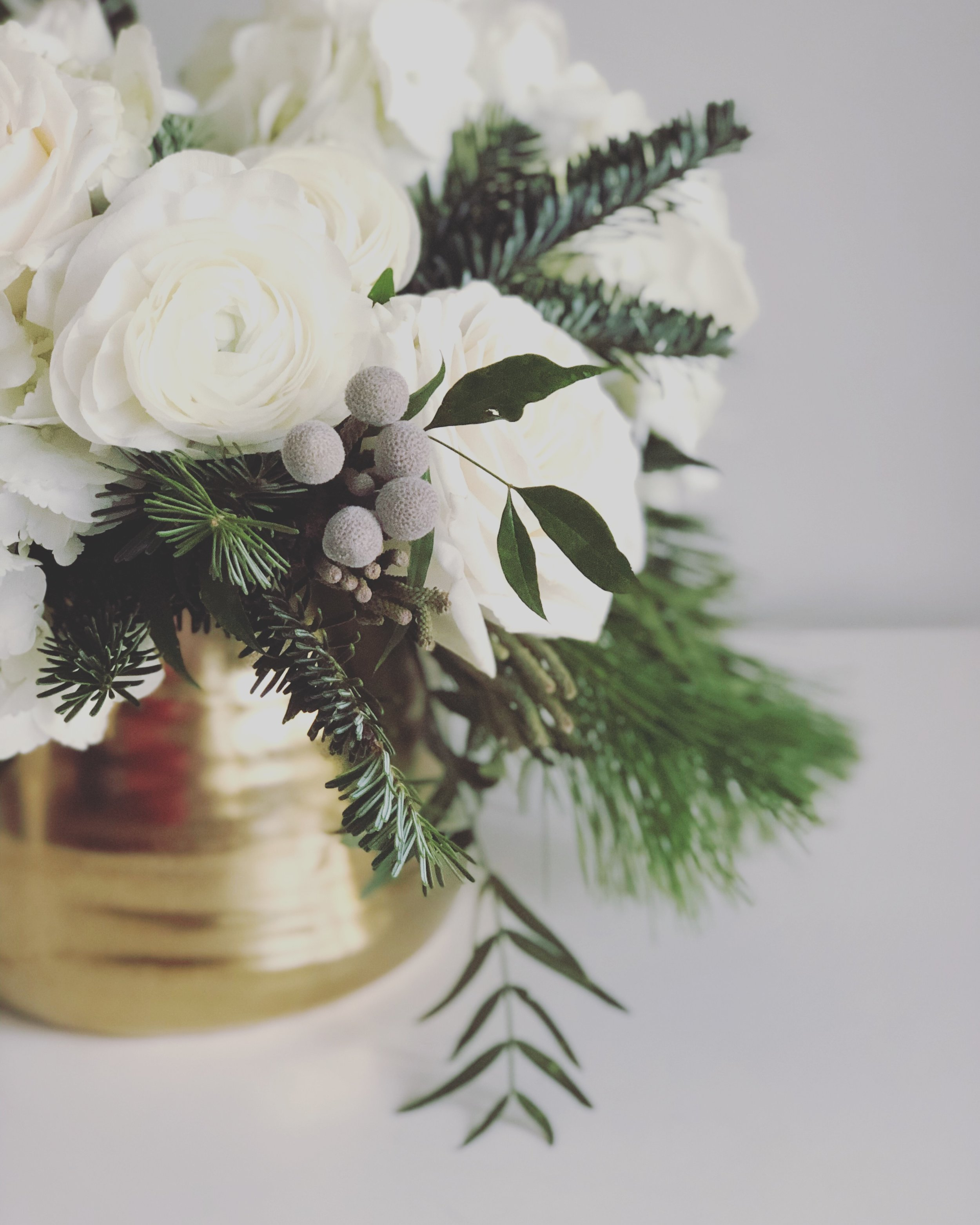 winter white bouquet.JPG