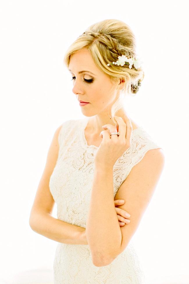 Image Source:  Wedding Row ,  Bridal Hair & Makeup : Lashes & Lace, Photography:  Kelly Dillon Photography
