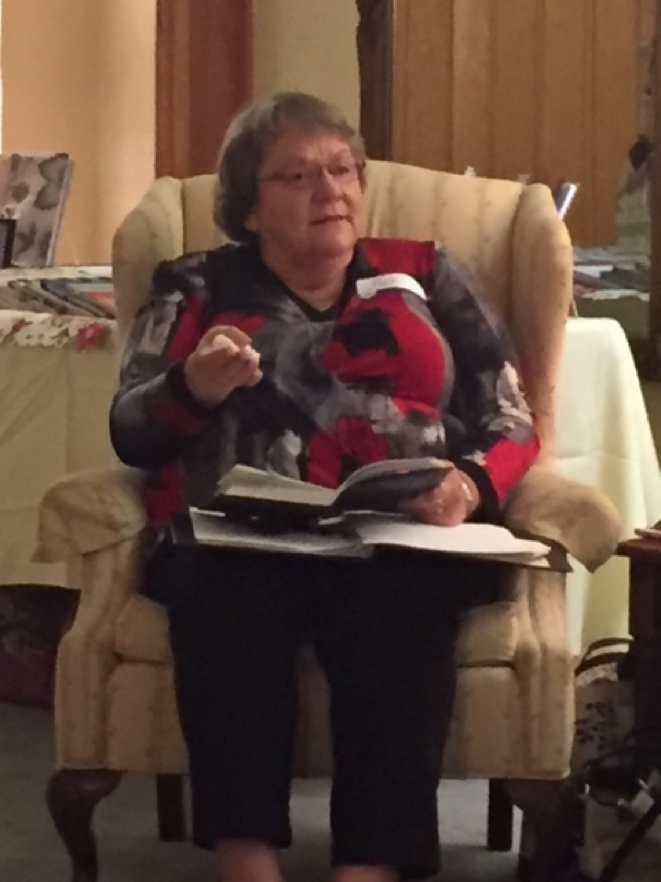 From humor journals to Christmas journals, Pat Inman captivated JJJ attendees with wonderful ways to incorporate journaling into their lives.