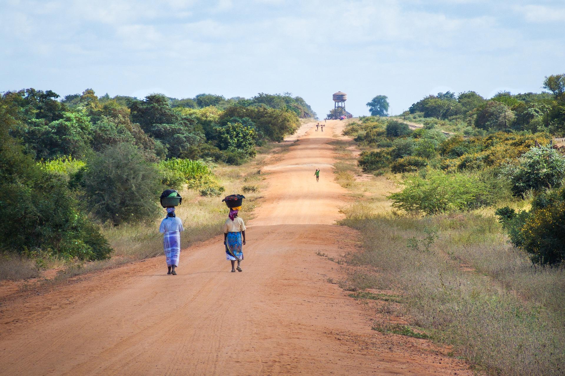 african-women-walking-along-road-2983081_1920.jpg