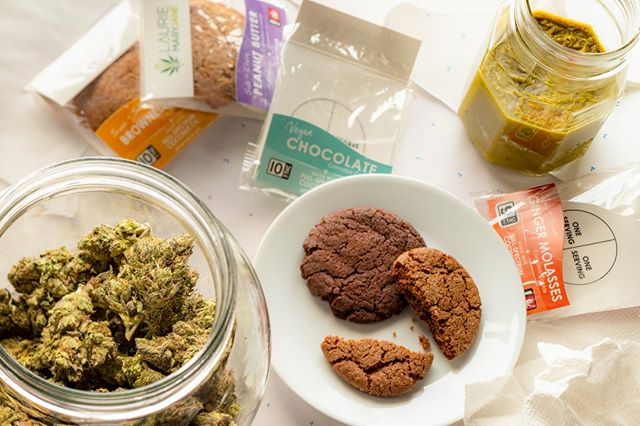 All of our edibles are made with a simple & clean #fullspectrum cannabis-infused coconut oil. We never use distilled extracts or any chemical solvents; just clean, tested buds and organic coconut oil. From our experience, this produces not only a cleaner tasting product, but a more robust experience thanks to the #entourageeffect 👯 . With a few tricks, we work to make sure the flavors of each edible work together to produce a delicious tasting treat, by either minimizing the cannabis taste or finding flavors that work with it.  . We take pride in our edibles and hope you enjoy each and every bite (responsibly)!  . #dontfeartheedible #laurieandmaryjane #cannabiscookie #cannabisedible #edibles  Disclaimer: Do not operate a vehicle or machinery under the influence of this drug. For use only by adults twenty-one years of age and older. Keep out of the reach of children and pets.