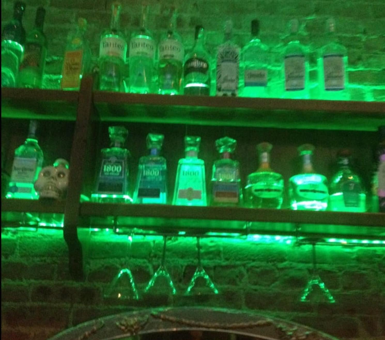 limon jungle bar.jpg