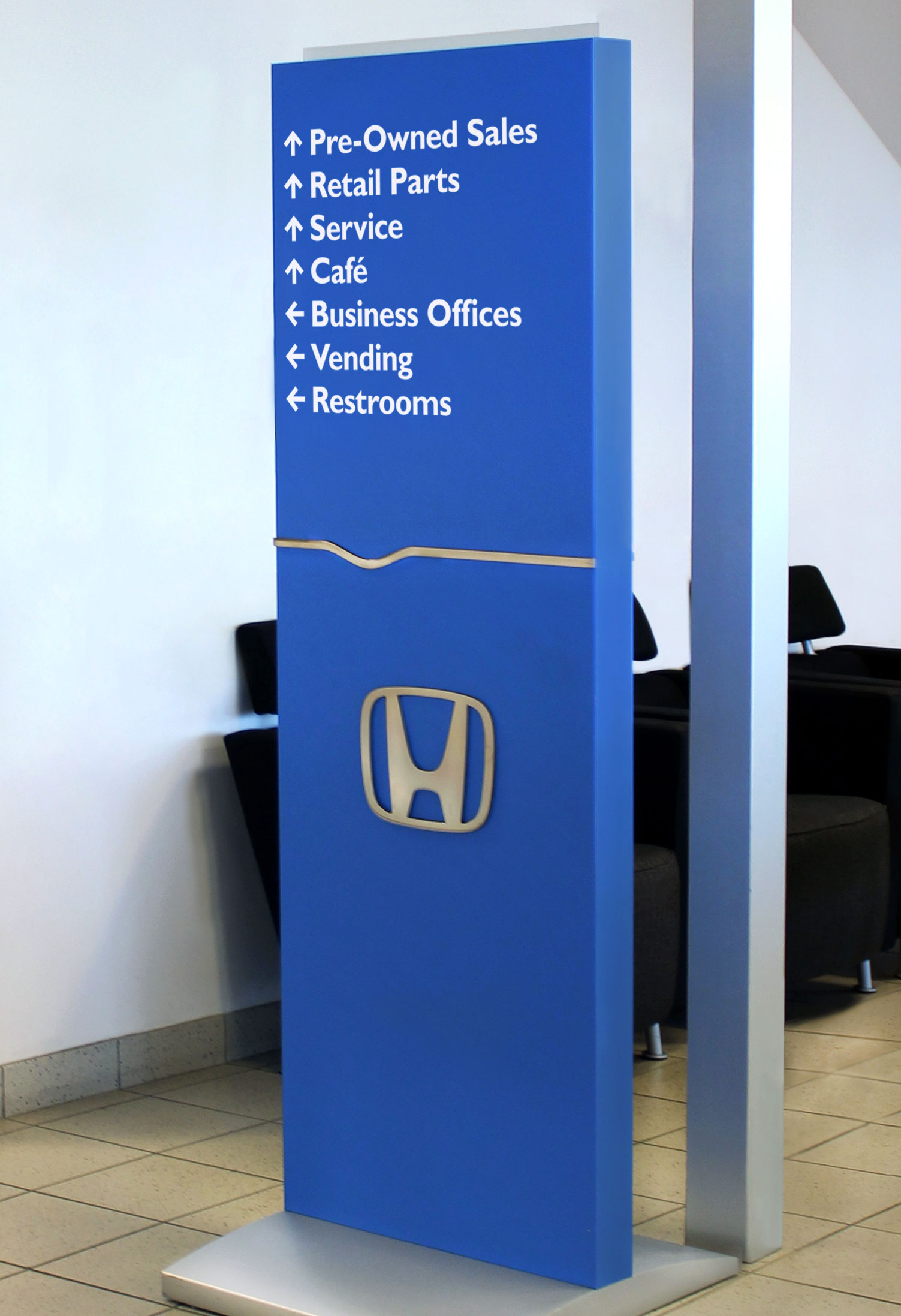 A freestanding Honda directional helps customers find their way.